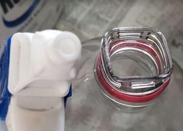 Square Plastic Bottle Neck For Spray Shield Nozzle